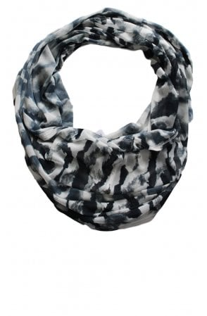 Grey & White Patterned Snood